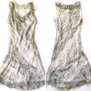 DVF • 100% Silk Patterned Ruffled V-Neck Dress